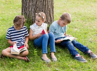 5 Tips to Encourage Kids to Read